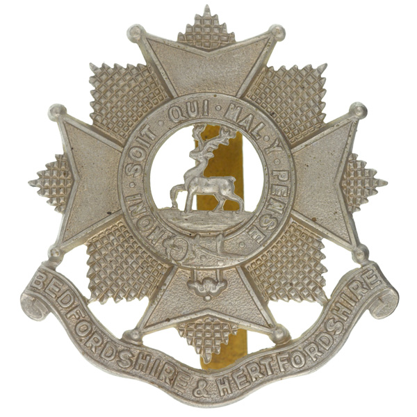 Other ranks' cap badge, The Bedfordshire and Hertfordshire Regiment, c1924-c1958