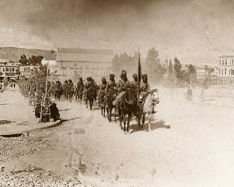 Indian cavalry march through Damascus, 1918