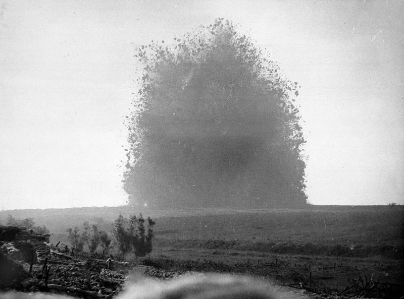 Detonation of Hawthorne Ridge mine, 1 July 1916