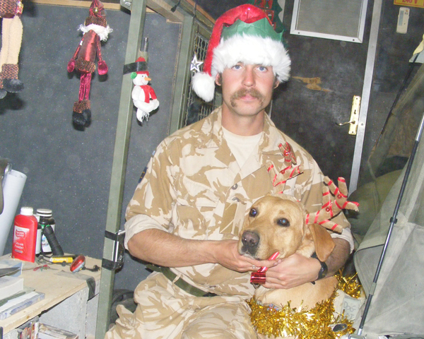 Diesel and Robin Ardis celebrate Christmas in Afghanistan, 2008.
