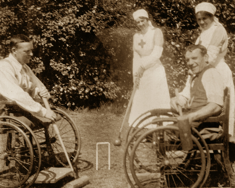 Wounded veterans  at Eden Hall Convalescent Hospital, 1918