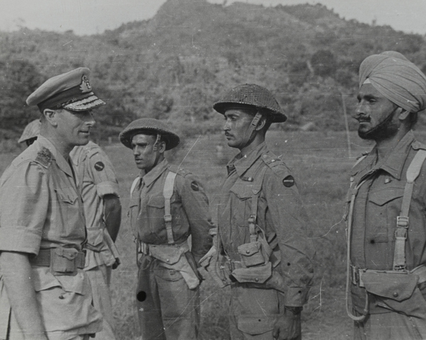 Louis Mountbatten, the last Viceroy of India, talking to Indian soldiers, 1945