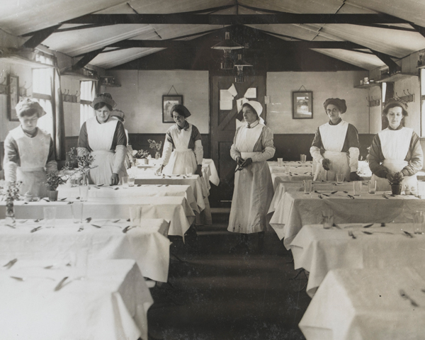 WAAC waitresses in France, 1917