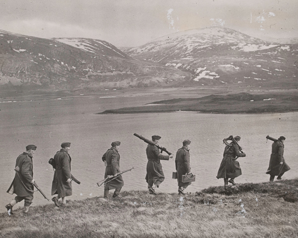 Local Defence Volunteers on patrol, 1940