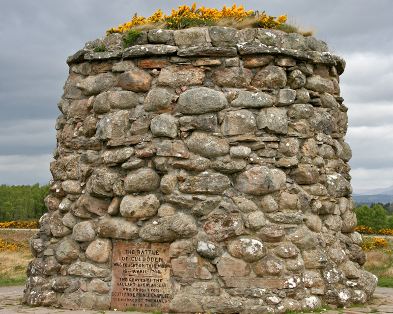 Memorial cairn at the centre of the battlefield of Culloden, 2009