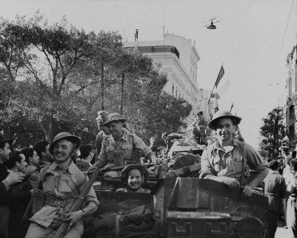 British troops arrive in Tunis, May 1943