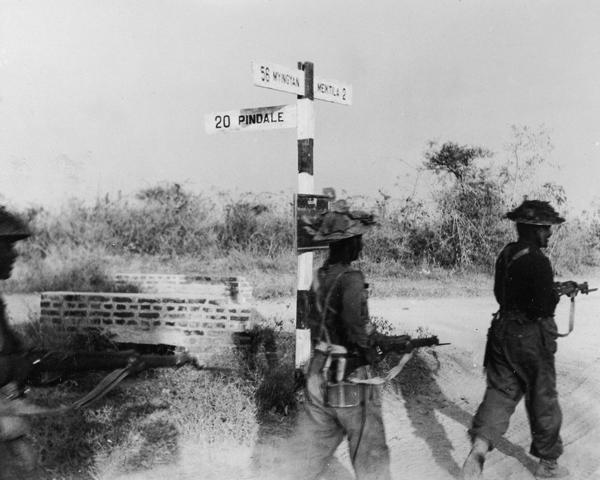 Indian infantrymen of IV Corps advancing towards Meiktila, 1945