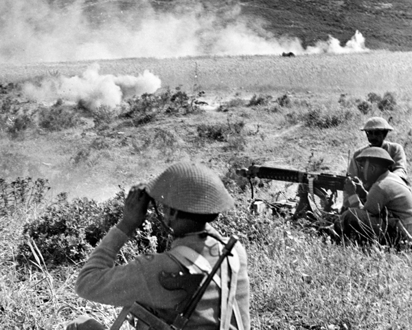 Soldiers of 4th Indian Division in action, Tunisia, April 1943