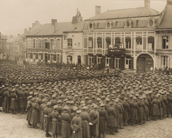 Thanksgiving service at Le Quesnoy, 11 November 1918