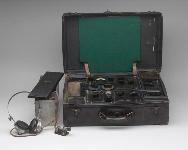 SOE wireless transceiver No 3 Mk II, c1943