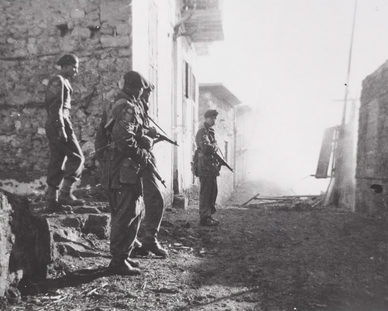 Men of 3rd Battalion The Parachute Regiment searching for snipers in Gaynaeim village, December 1951