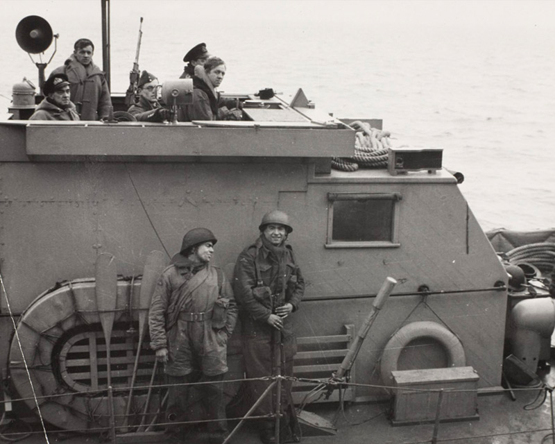A motor launch bringing back some of the paratroops who raided Bruneval, February 1942