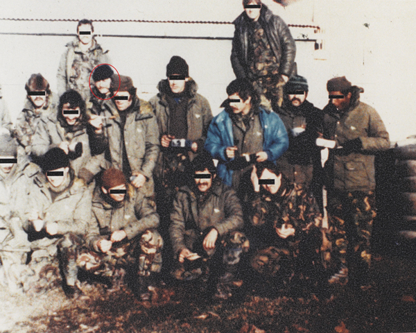 WO1 D J 'Dia' Harvey and fellow SAS troops in Falklands, 1982