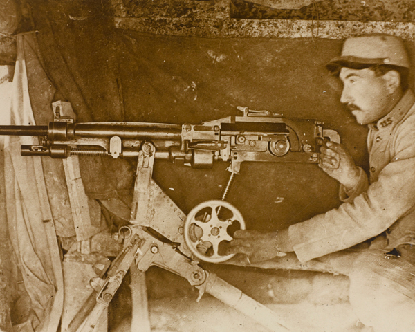 French machine-gunner on the Champagne Front, 1915