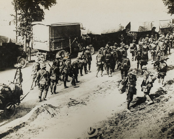 New Zealand troops moving into the line, 1916