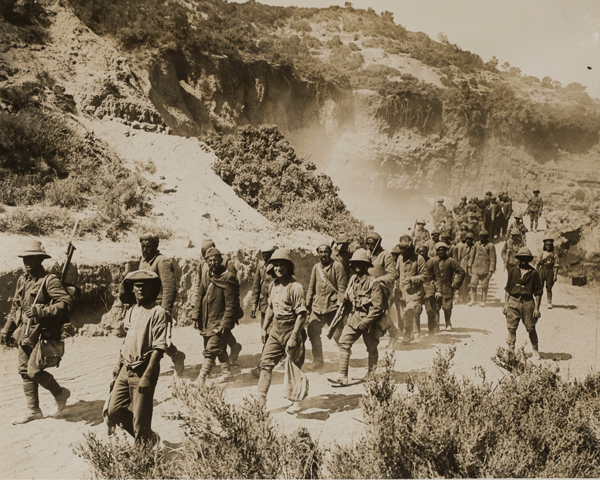 Turkish prisoners taken during the Second Battle of Krithia, 8 May 1915