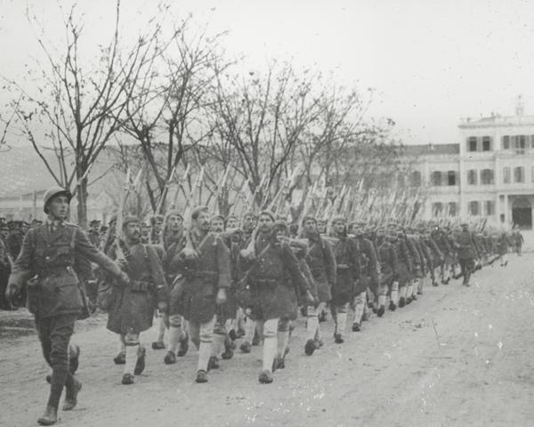 Greek soldiers arrive at Salonika, 1917