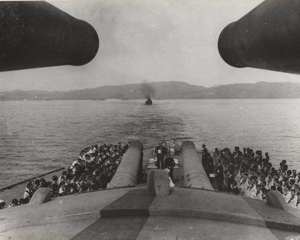 The forward 15-inch guns of HMS 'Queen Elizabeth' with the Gallipoli peninsula in the distance, 1915