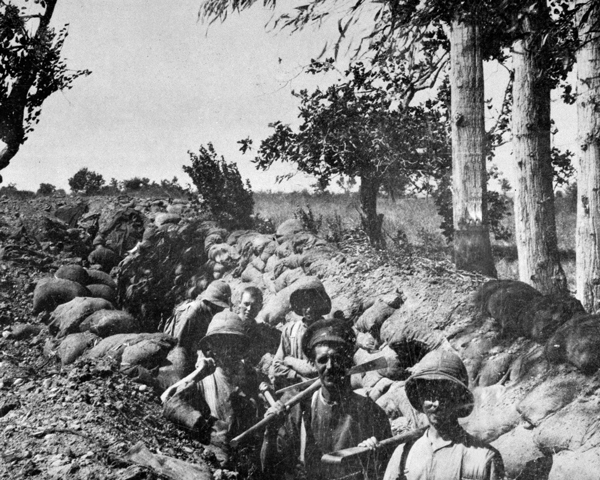 Soldiers dug in at Chocolate Hill, Suvla Bay, Gallipoli, 1915