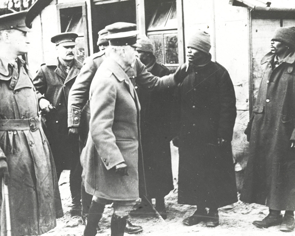General Jan Smuts visiting African labourers on the Western Front, 1917