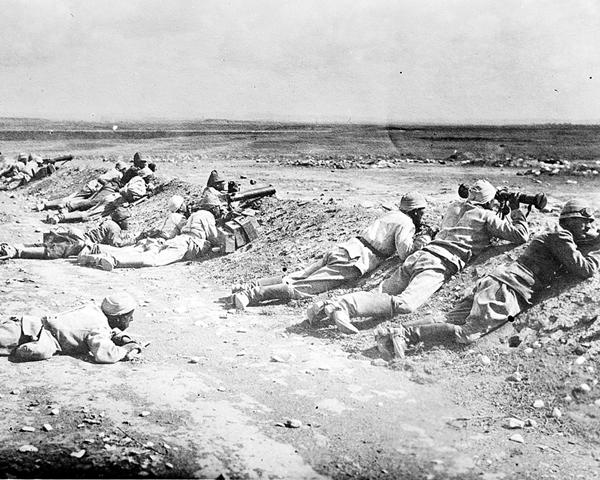 Turkish machine gunners at Beersheba, 31 October 1917
