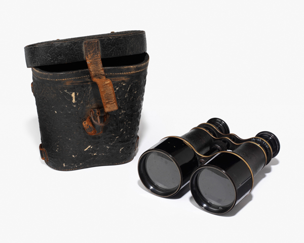 Lieutenant-General Sir Colin Campbell's field glasses, 1858