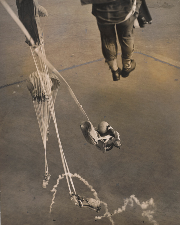 Parachute training, 1947