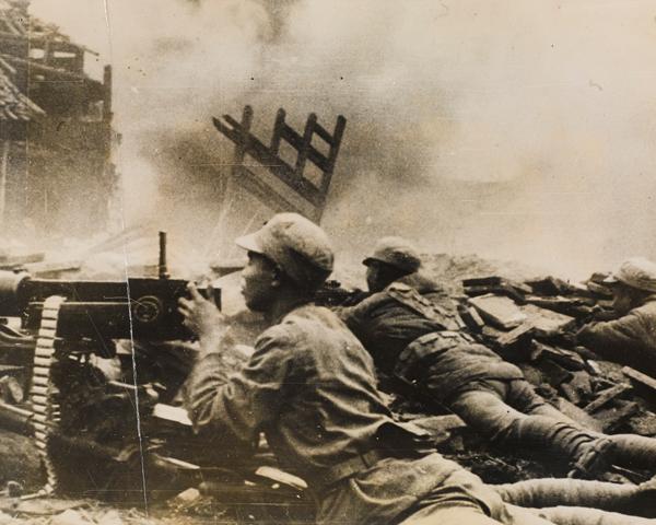 Chinese machine gunners, 1943