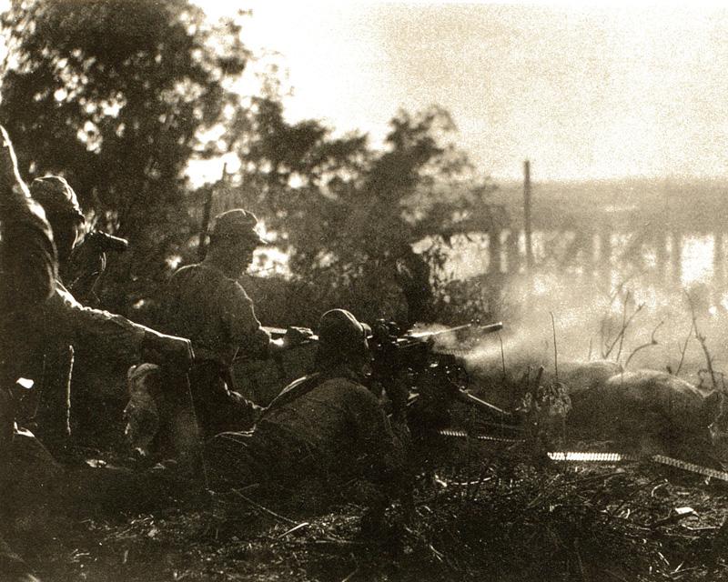 Japanese machine gunners, 1942