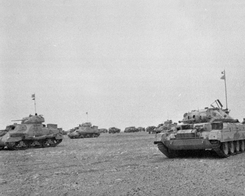 Grants and Cruiser tanks in North Africa, c1942