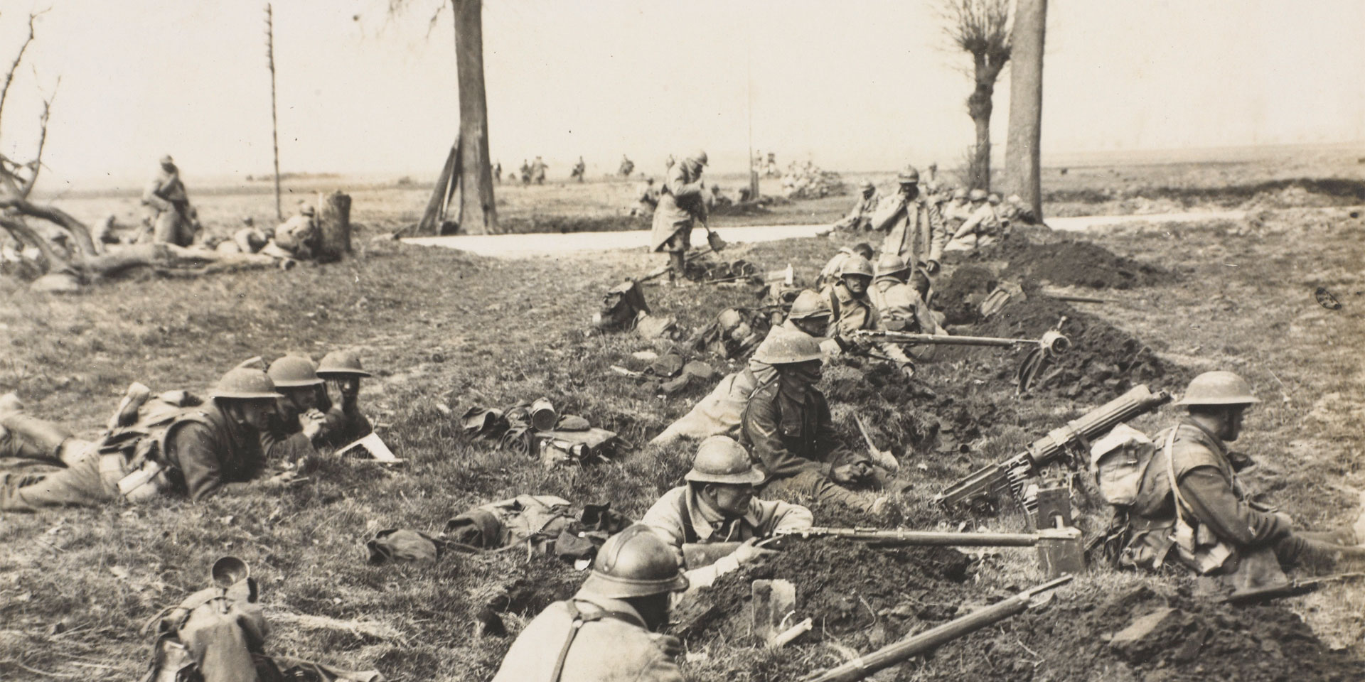 'The German offensive. British and French alongside each other waiting for the Boches', 1918