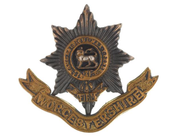 Cap badge, The Worcestershire Regiment, c1904