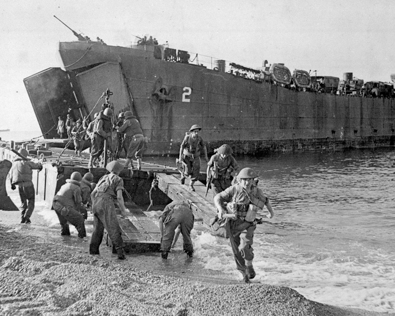 Troops landing at Salerno in Italy, September 1943