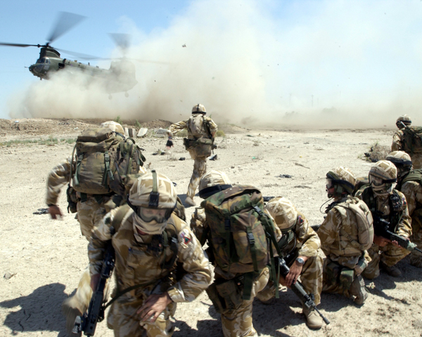 Soldiers of 1st Battalion The Royal Welch Fusiliers, Iraq, 2004