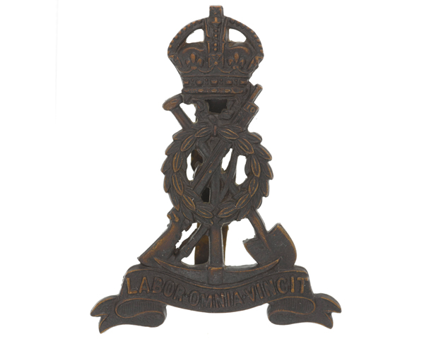 Cap badge, The Pioneer Corps, c1943