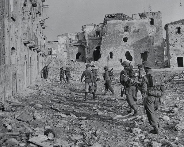The 2nd Lancashire Fusiliers enter Aquino near Rome, May 1944