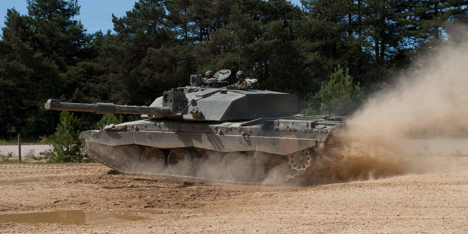 Challenger 2 battle tank