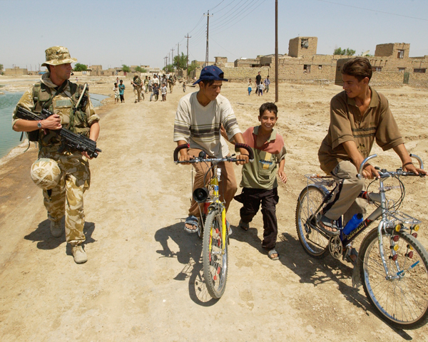 The Princess of Wales's Royal Regiment patrol Jadeed al-Muallamin, July 2004