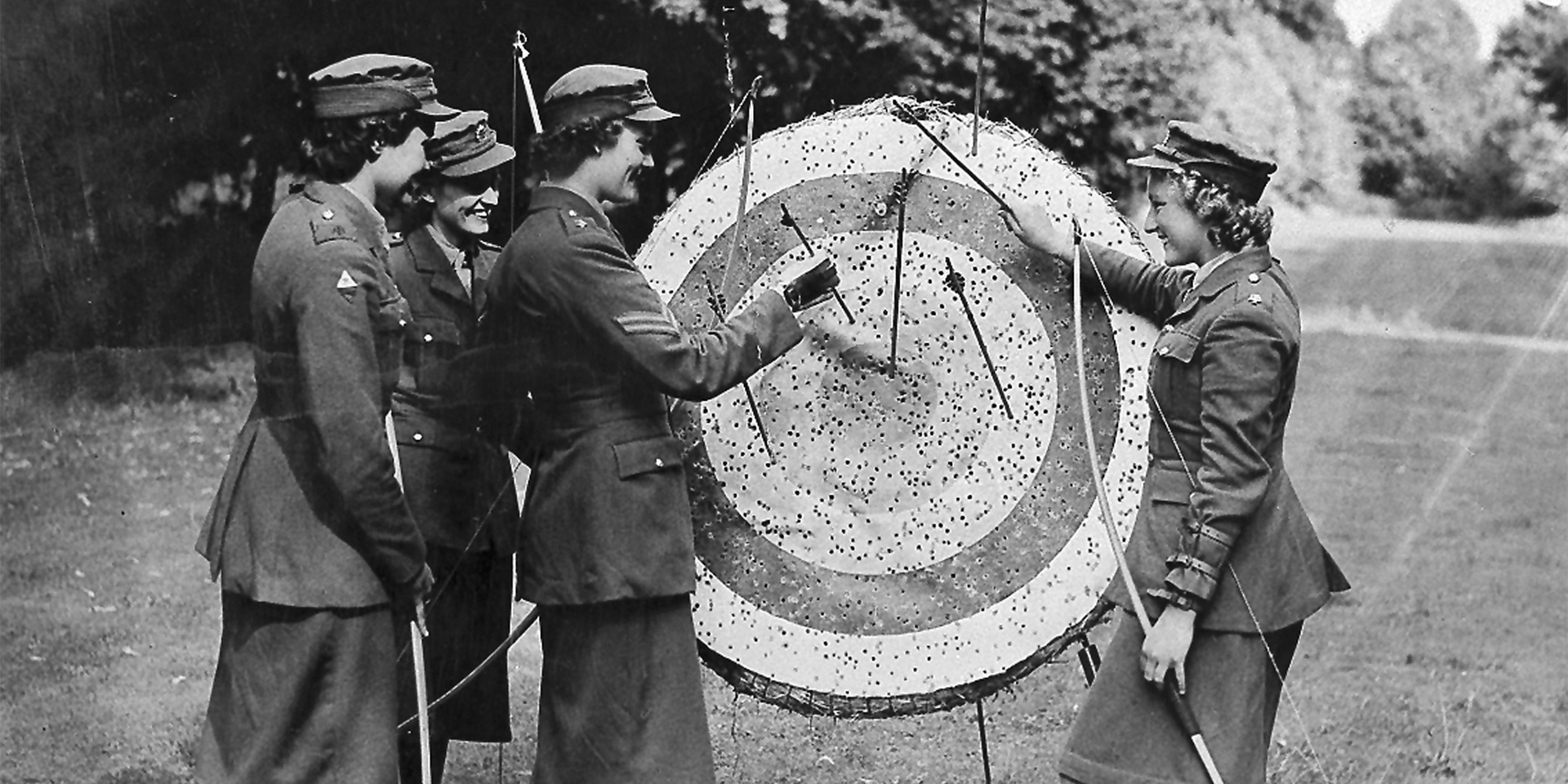 Auxiliary Territorial Service archery, c1940
