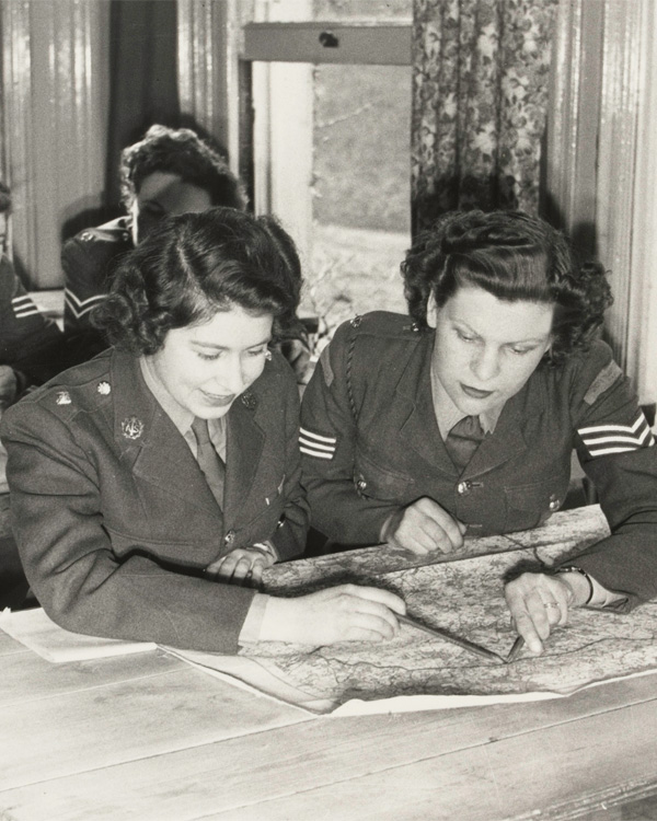 Princess Elizabeth at map reading class, 1945