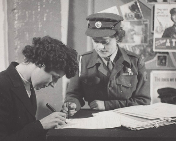 Enlisting in the ATS, c1941