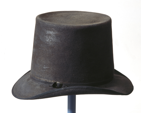 Hat worn by Lieutenant-General Sir Thomas Picton at the Battle of Vitoria, 1813