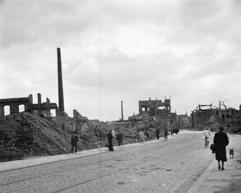 Civilians in the ruins of Hamburg, 1945
