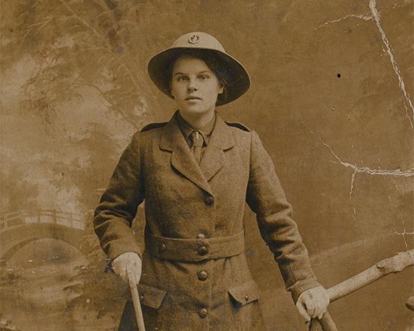 Margaret Caswell, Women's Legion, 1916