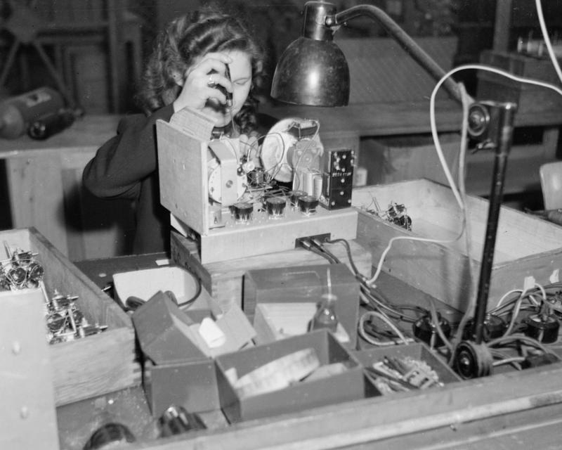 A civilian worker at the Huth-Apparatebau factory, Hanover, 1946