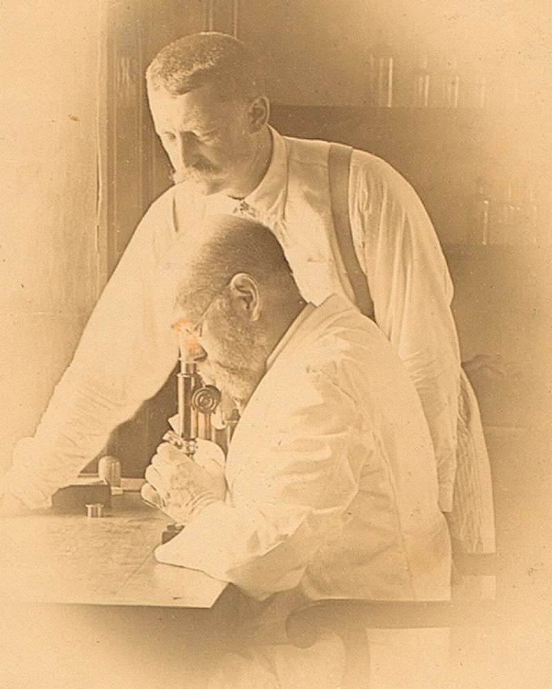 Robert Koch and Richard Pfeiffer investigating the plague in their Bombay laboratory, 1897