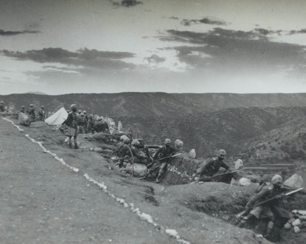 2nd Royal Battalion (Ludhiana Sikhs), 11th Sikh Regiment man hill-top positions in Waziristan, 1937