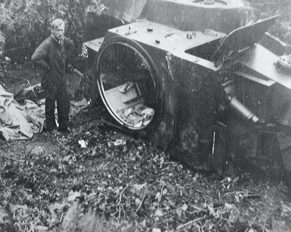 A Lanchester Armoured Car accident on the banks of the River Exe, 1938