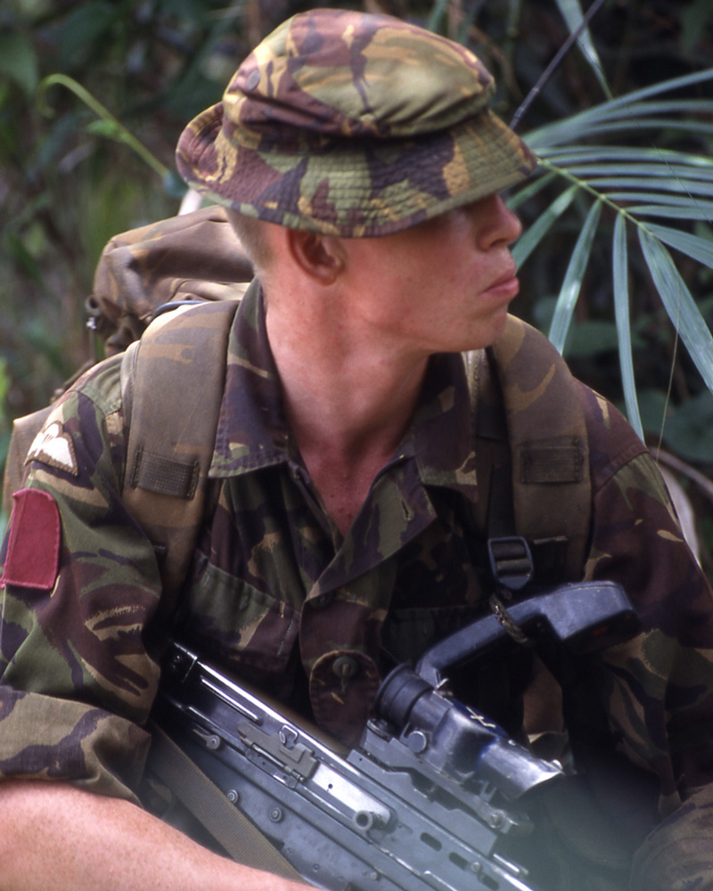 A soldier of 1st Battalion The Parachute Regiment during Operation Barras, 2000