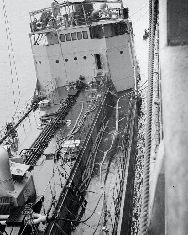 A tanker refuelling HMT 'Orion', 1941